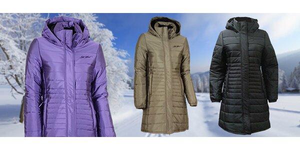 Teplo i v zimě se sportovním dámským kabátem Loap