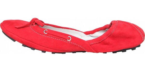 2c490f4499 Elastické dámské červené semišové baleríny Fratelli Rossetti