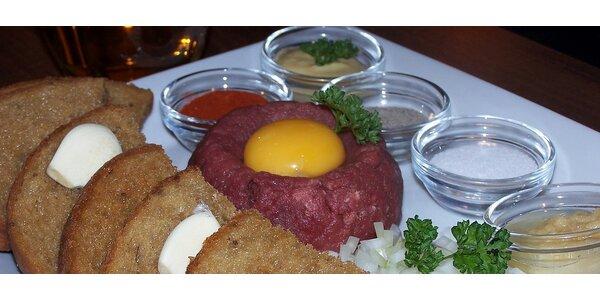 250 g tatarského bifteku s 8 topinkami v příjemné restauraci Martinez