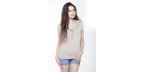 Dámské triko s krátkým rukávem a mašlíčkou v barvě slonové kosti Peace&Love