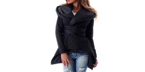 Dámská bunda s velkou kapucí a zavinovacím efektem s páskem Caramella Fashion