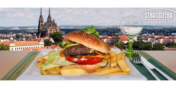 Mňamka v Brně: hovězí burger, hranolky a bbq omáčka