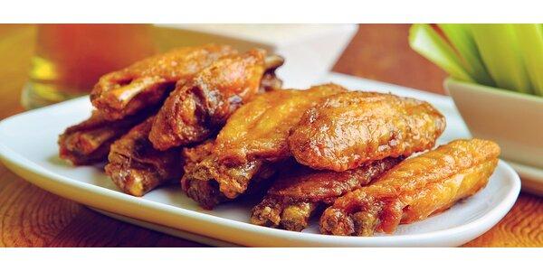 8ks kuřecích křídel s lahodnou bylinkovou bagetou