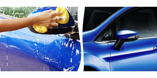 Důkladné ruční mytí karoserie vašeho vozu
