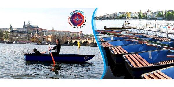 Hodinová projížďka v lodičce na Vltavě