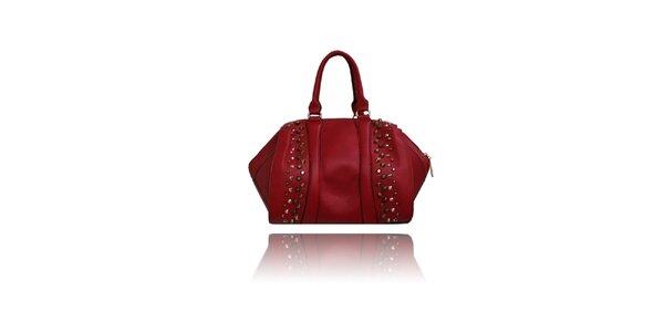 Dámská temně červená kabelka London Fashion s kovovými cvoky
