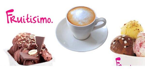 49 Kč za jakýkoli zmrzlinový pohár s čerstvým ovocem a kávu ve Fruitisimu