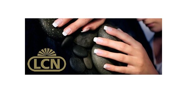 Profesionální LCN manikúra a parafínový zábal