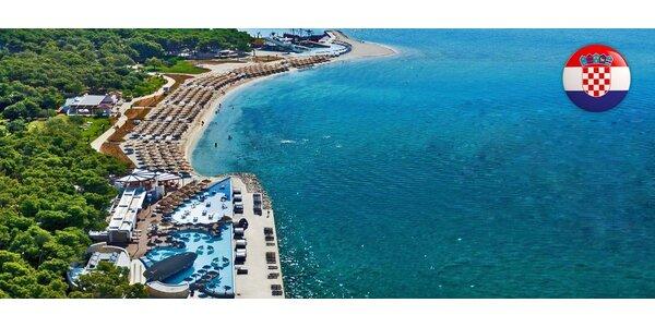 Týden v Beach Resort Solaris**** s dopravou
