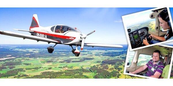 Okružní let či pilotování sportovního letadla