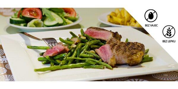 2× jihoamerický steak s přílohami a salátem