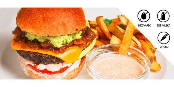 Dva veganské burgery s přílohou ve Veggie Pointu - organic bistro