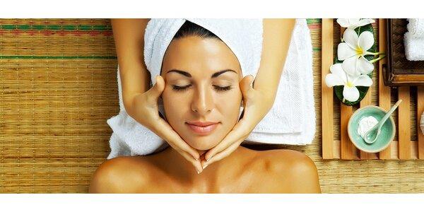 Relaxační masáž obličeje, krku, dekoltu a šíje