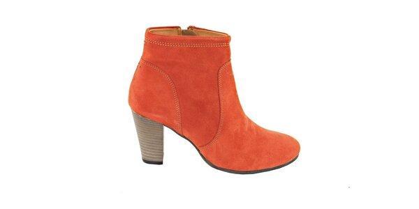Dámské terakotové semišové kotníčkové boty na podpatku Eye
