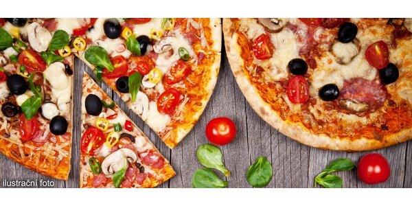 Dvě čerstvé pizzy s sebou z Pizza Pappi