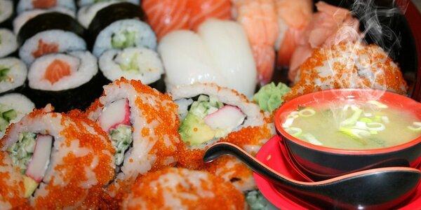 Running sushi či bohaté sety z podniku Ginza na Floře
