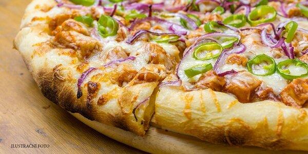 2x pizza (32 cm) s sebou