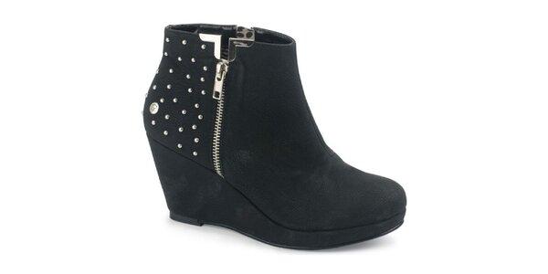 Dámské černé semišové kotníčkové boty na platformě s cvočky Blink