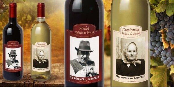 Španělské víno v láhvi s vaší fotkou