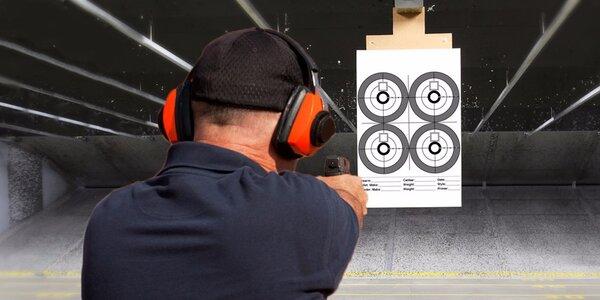 Střelba z 6 až 12 zbraní na střelnici