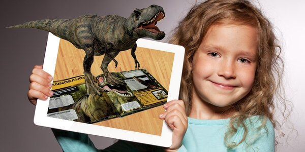 """Ožívající"""" knížky o vesmíru a dinosaurech"""