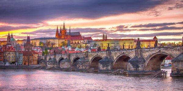 Zimní či jarní romantika na břehu Vltavy