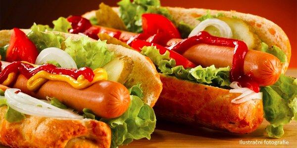 2x Hot Dog se salátem v centru Prahy