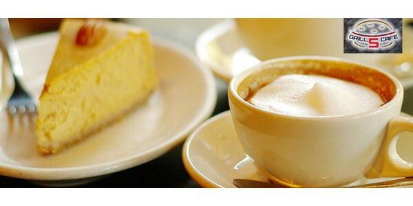 Dvě kávy nebo čaje a dva cheesecakey