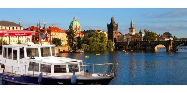 Plavby na lodi historickým centrem Prahy