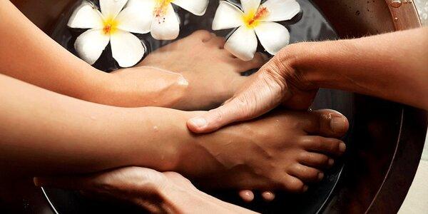Kvalitní kombinovaná pedikúra a masáž nohou