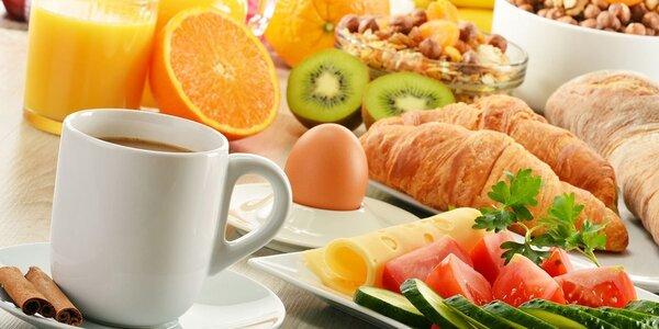 """Snídaně formou """"sněz, co můžeš"""" ve Vabene"""
