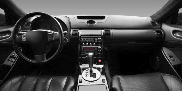 Kompletní ruční čištění interiéru vašeho automobilu