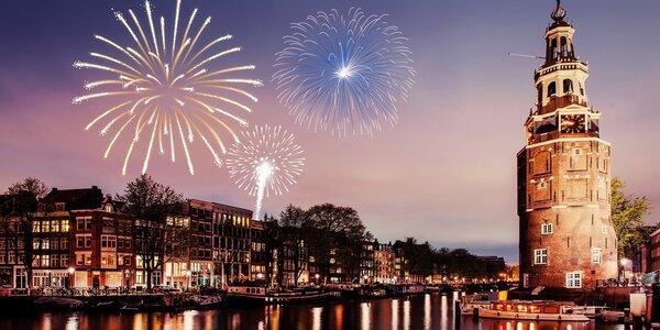 Silvestrovské oslavy v centru Amsterdamu