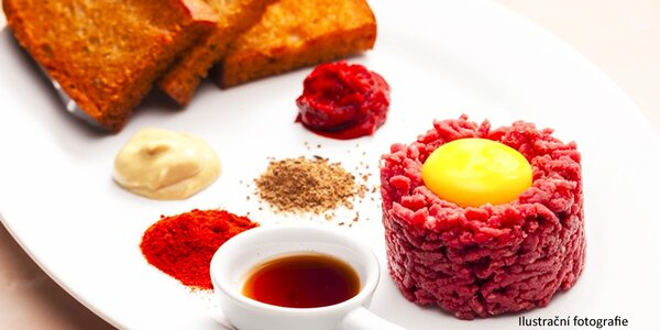 Tatarák z české svíčkové v restauraci Plný pekáč