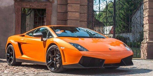 Dechberoucí jízda luxusním sporťákem