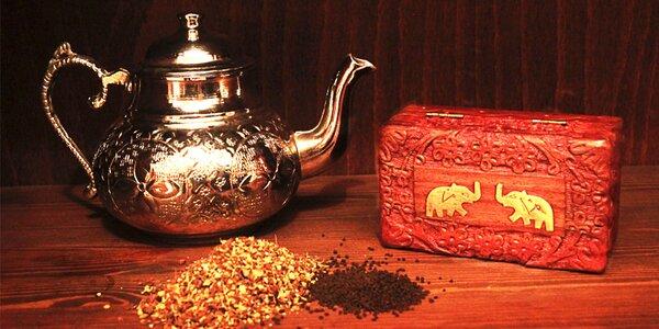 Kořeněný Masala chai nebo himálajské čaje
