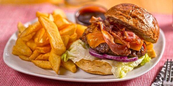 Obědové burgerové menu v The Immigrant Pub