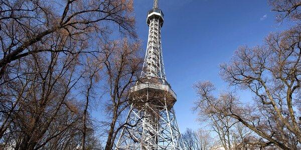 Na Petřín, do bludiště i zvonice Sv. Mikuláše