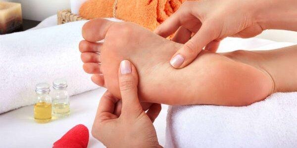 60minutová reflexní masáž nohou a chodidel