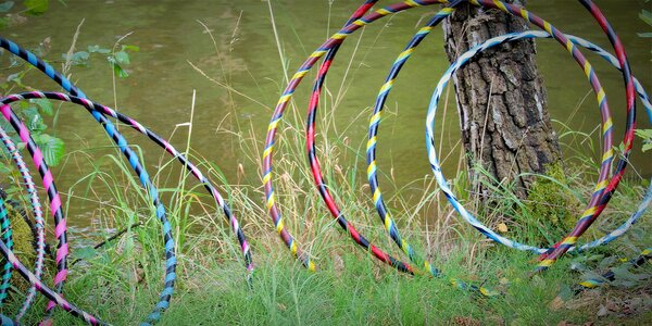 Pruhovaná hula hoop obruč pro útlý pas