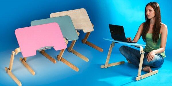 Elegantní dřevený stolek pod notebook