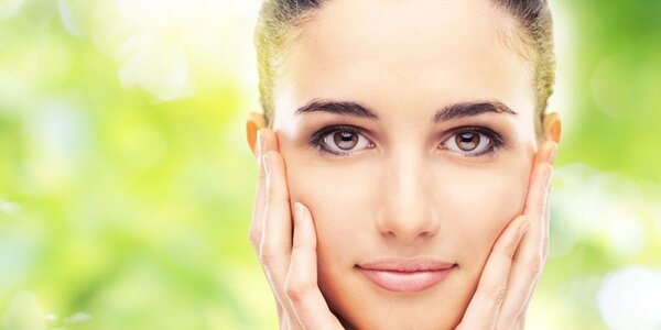 Kompletní kosmetické ošetření včetně barvení obočí a řas