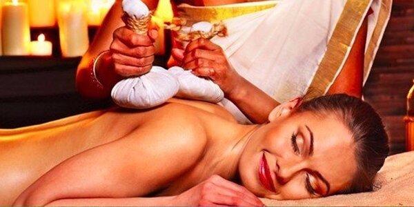 Ajurvédská masáž teplými solnými měšci