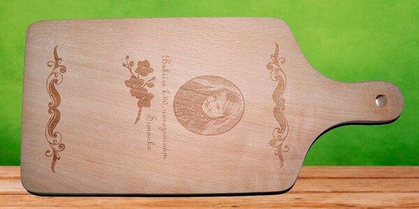 Dřevěné krájecí prkénko s vlastní fotografií