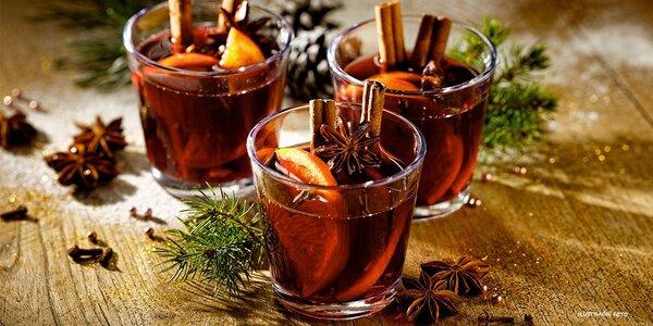 Horký nápoj na adventních trzích v Brně