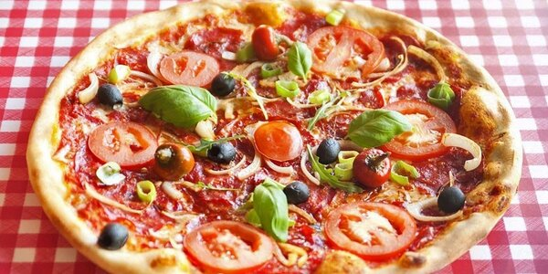 Pizza, pasta nebo salát pro 2 ve Štěrboholech