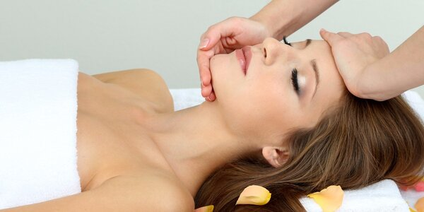 Hloubková masáž obličeje s uvolněním šíje a zad