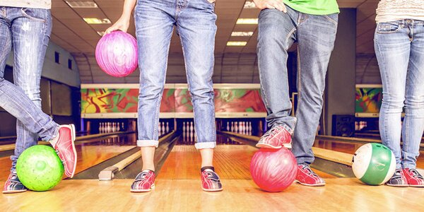60 min bowlingu ve STEPu až pro 6 hráčů