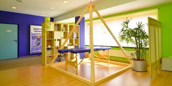 Relaxační masáž v léčebné pyramidě
