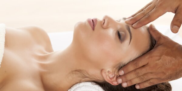 Bodová masáž celého těla, hlavy a chodidel